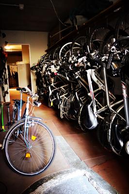 Fahrradgarage in der Villa Groff in Auer
