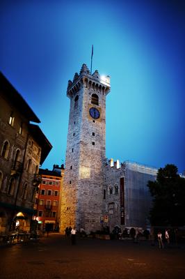 Abends am zentralen Marktplatz in Trient
