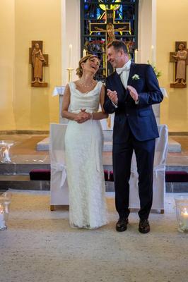 elegantes Brautkleid mit Spitze für die ältere Braut