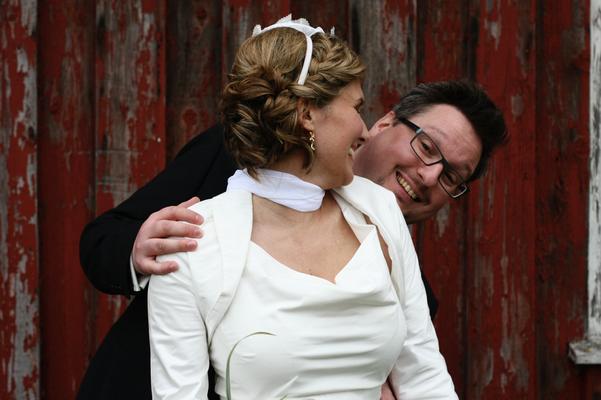 kurzes Brautkleid aus Seide