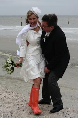 """kurzes Brautkleid """"Sternentanz"""" aus Seide für die Strandhochzeit"""