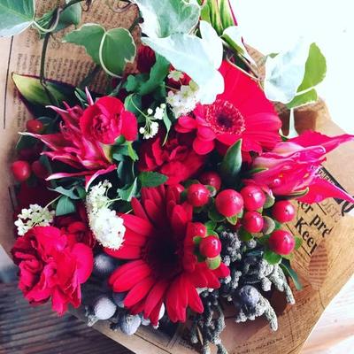 2月 長野 飯田1dayレッスン「赤色の花を束ねたナチュラルレッドブーケ」作り