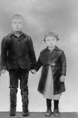 Оля с братом Егором