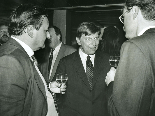 03. Mai 1993 Peter Prasch und Dr. Hugo Portisch (v.l.), Foto: Brigitt Risch, Schaan