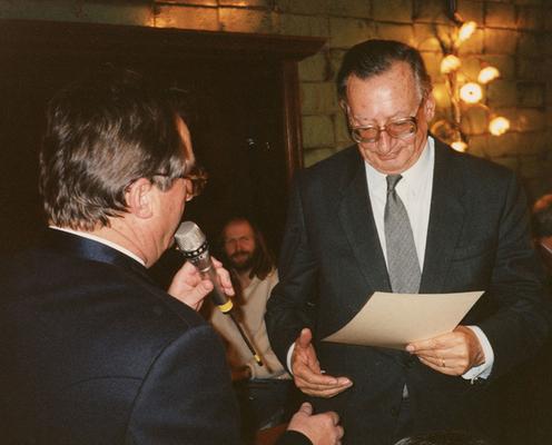 19. Dezember 1990 Ernennung von Prof. Martin Hilti zum Ehrenmitglied des Liechtensteiner Presseclubs