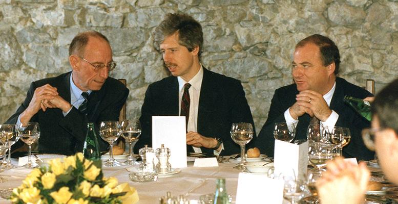 09. März 1989 Besuch von Edzard Reuter, Vorstandsvorsitzender der Daimler-Benz AG, beim Liechtensteiner Presseclub,  Foto: Eddy Risch, Schaan