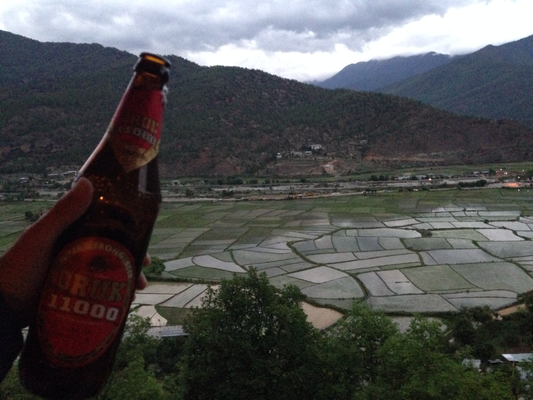 Drachenbier und Reisfelder, wunderbar.