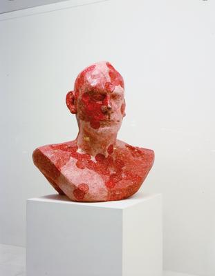 Biomorphes Portrait | 1997 Gypsum | Pigment 100 x 85 x 50 cm