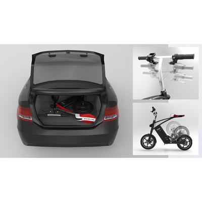 mini scooter plié dans coffre de voiture