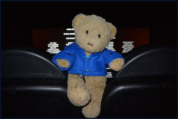 Kasimir im Kino vor dem Abspann von Paddington