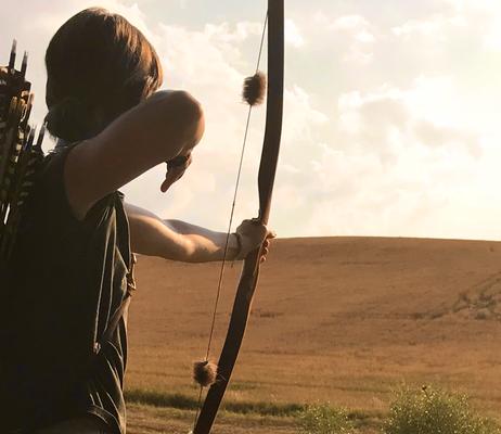Natalie Hilgner, traditionelles Bogenschießen