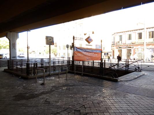 Estaciones De Metro De Puente De Vallecas Y Menendez Pelayo