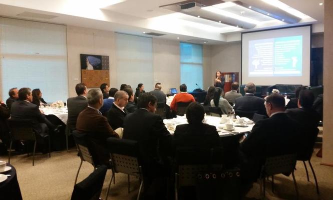 """Conferencia """"Directivos del futuro"""", en el Club Empresarial de Lima (Perú)"""