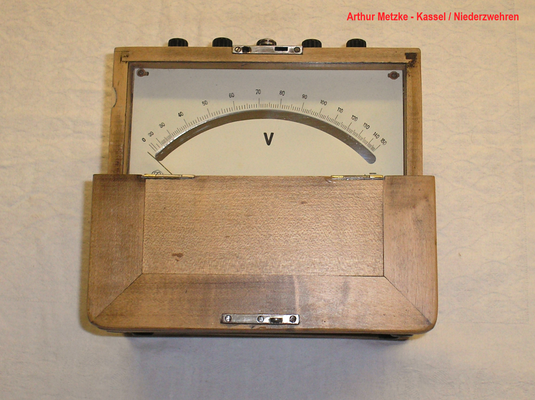 Bild 487 - Arthur Metzke - Kassel / Niederzwehren - Weicheisen - Voltmeter - Fertigungsjahr ab.  1935