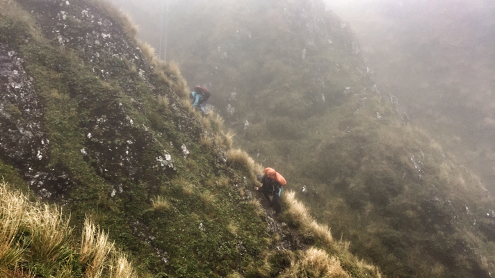 Starker Regen und Sturm Tararua Crossing