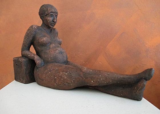 Frauenakt sitzend