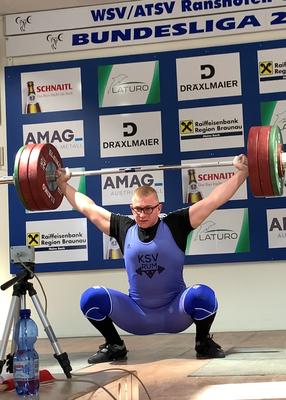 Julian mit 150 kg Reißen