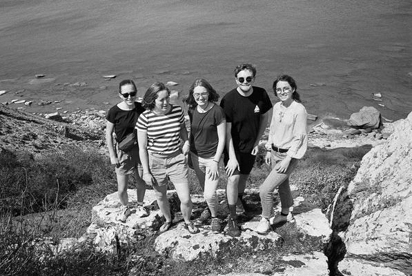 Erinnerung an die Gotland-Reise mit Mentorin Ricarda Clasen (2.v.l.) (Foto: Philip Geister)