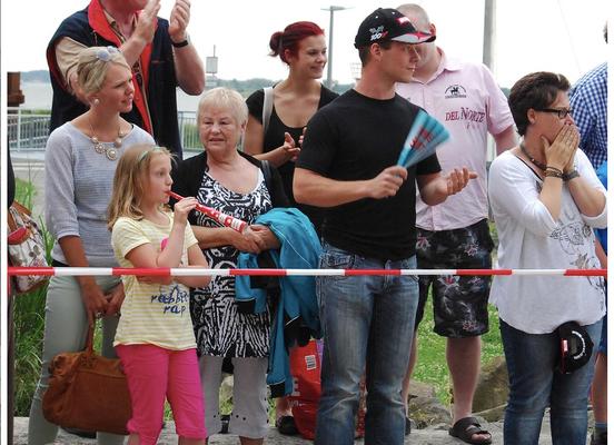 Quelle: http://www.lokalkompass.de/emmerich/sport/nrw-meisterschaft-im-firmenlauf-d441954.html