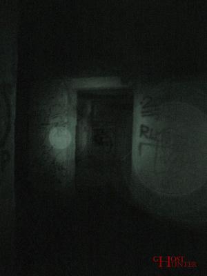 Durchgänge sind immer sehr interessant zum Fotografieren während PUs. Auch hier kam es wieder zum Fotografie-Fehler, in den sich leicht etwas interpretieren lässt.#Ghosthunters #paranormal #ghosts #geist