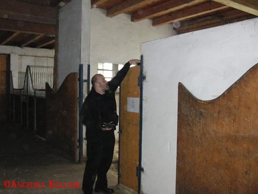Wie immer nutzt Sunny die Gegebenheiten vor Ort für den Equipmentaufbau so gut wie möglich aus. #paranormal #ghosthunters #spuk