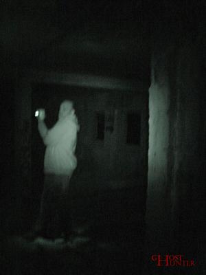 Kameramann Sunny filmt die ESP-Sitzung im 1. OG. #Ghosthunters #paranormal #ghosts #geist