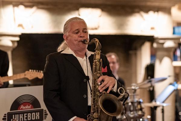 Alma Cilurzo Jazzsängerin mit Jazz Band Pocket Jukebox Lenk Jazztage Lenkerhof Peter Wespi