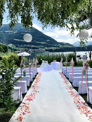 Alma Cilurzo Hochzeitssängerin Hochzeitslocation Schlosshotel Merlischachen Trauung am See