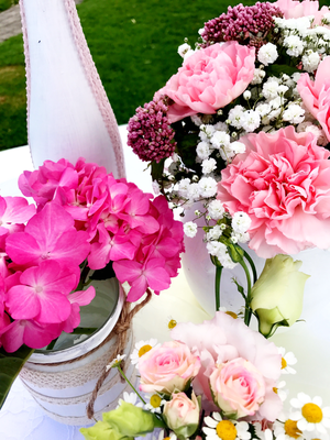Alma Cilurzo Hochzeitssängerin Hochzeitslocation Schlosshotel Merlischachen Trauung am See Blumendekoration