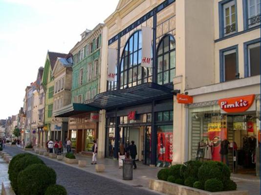 H&M rue Emile Zola
