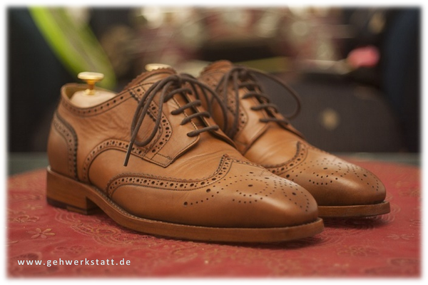 Braune Schuhe (Budapester Art)