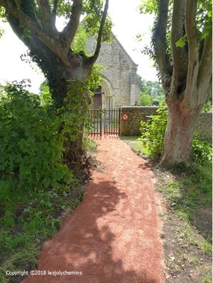 La chapelle de Saint-Quentin de la Roche communément appelée chapelle du mont Joly