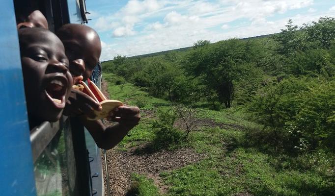 Zimbabwe - Spaß im Zug (Uli)