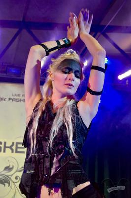 Modenschau auf M'era Luna-Festival 2017 / Foto: Dunkelklaus