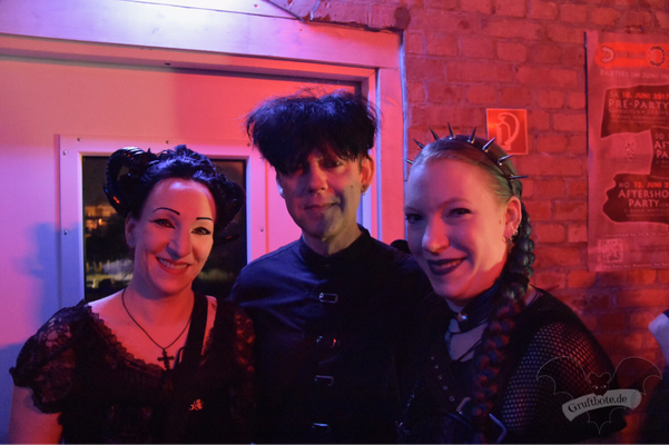 Die Gruftboten mit Ronny Moorings (Clan of Xymox) / Foto: Dunkelklaus