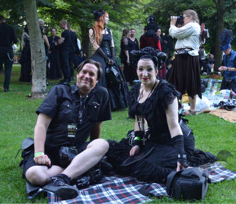 Dunkelromantisches Picknick, Amphi-Festival 2017 / Foto: Batty Blue