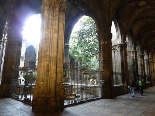 Im Kreuzgang der Kathedrale
