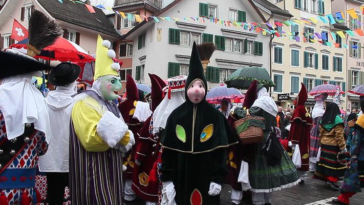 Närrische Treiben in der Zentralschweiz. Es wird alemannische Fasnacht in Brunnen gefeiert.
