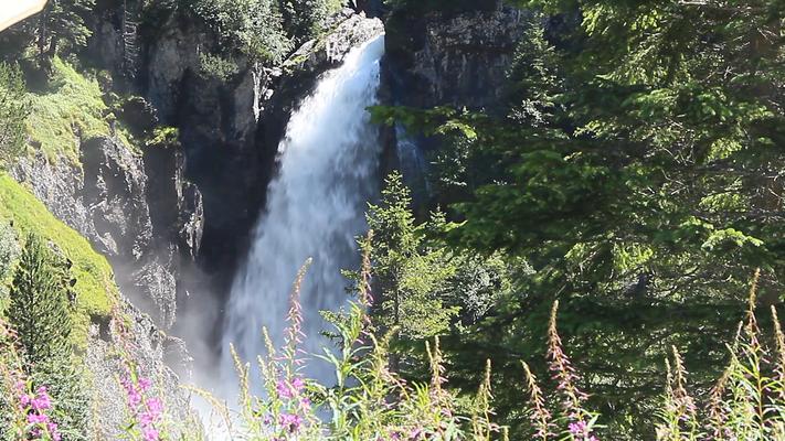 Solche Wasserfälle gibt es auch in Europa.