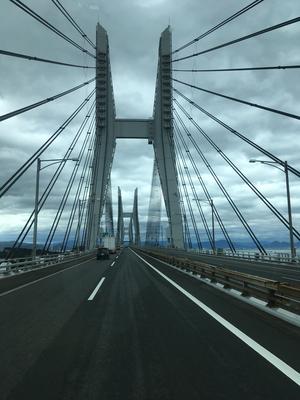 台風を避けて瀬戸大橋から四国へ