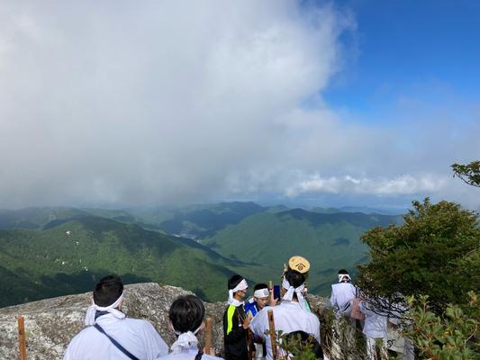 日本岩より堂川方面を望む