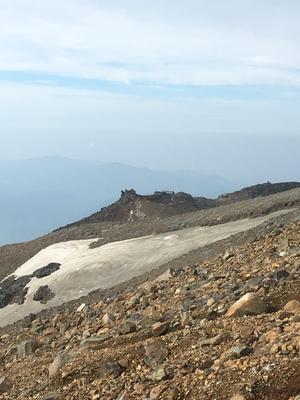 王滝頂上を望む