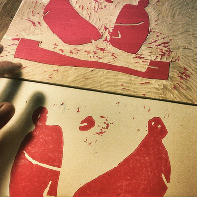 Ein Probedruck der roten Druckplatte