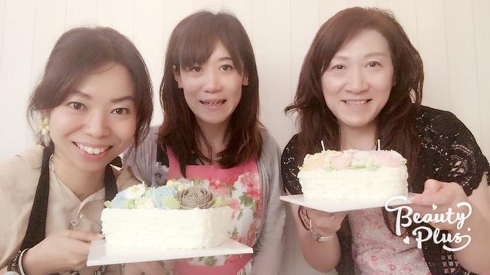 生徒さんのお声♡体験レッスン♡あんフラワーケーキ♡お花絞り専門教室