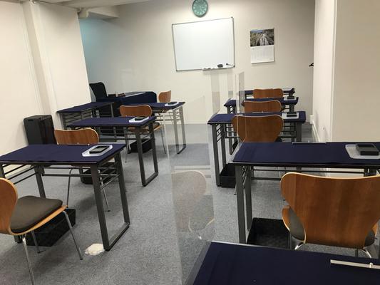 銀座の書道教室内