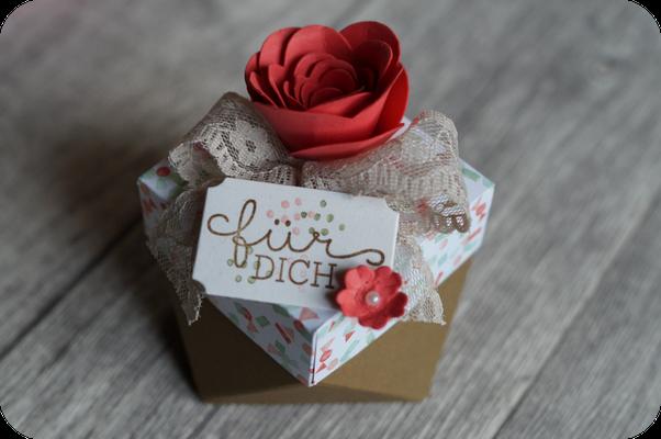 Diese hübsche Box kam von Sabine - eine absolute Augenweide
