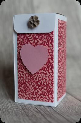 Eine herzige Schachtel mit Magnetverschluss von Gisela