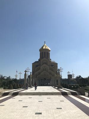 トビリシの街を見下ろす大聖堂