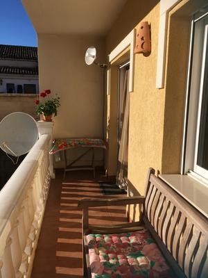 balcon achter bergzicht- balcon detras vista motanas-balcony behind with mountain view