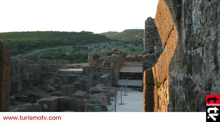 Los muros de Baelo Claudia